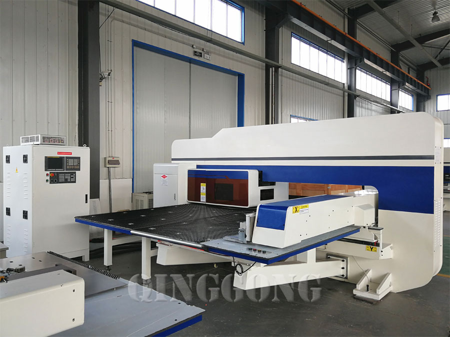 servo cnc turret punching machine 2